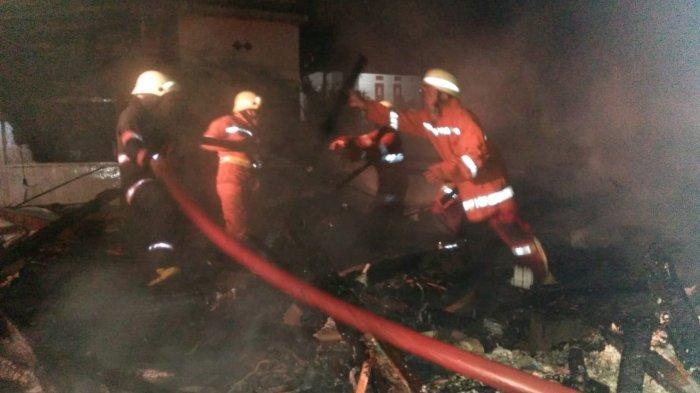 Habis Terbakar, Rumah Milik Nenek Sari di Sumedang Rata dengan Tanah