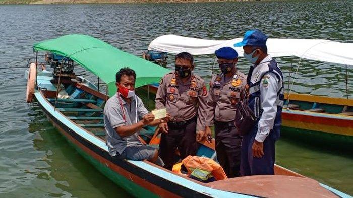 Satpolair Polres Purwakarta Imbau Pengemudi Pastikan Perahu Tidak Bocor dan Pompa Baik