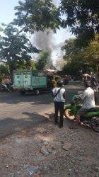 Sebuah Rumah Makan di Pasawahan Purwakarta Ludes Terbakar, Diduga Akibat Korsleting Listrik
