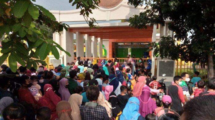 Takut Kerumunan, Sejumlah Wisatawan Pilih Pulang dari Objek Wisata Air Terjun Buatan Bojongsari