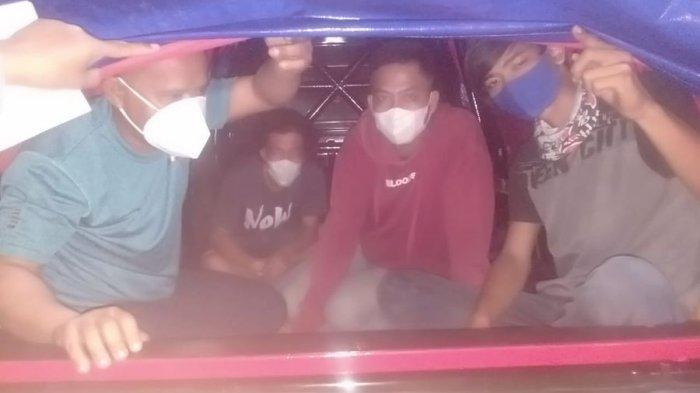 Ketahuan Naik Mobil Pikap Ditutup Terpal di Kuningan, Beberapa Pemudik Disuruh Kembali ke Bekasi