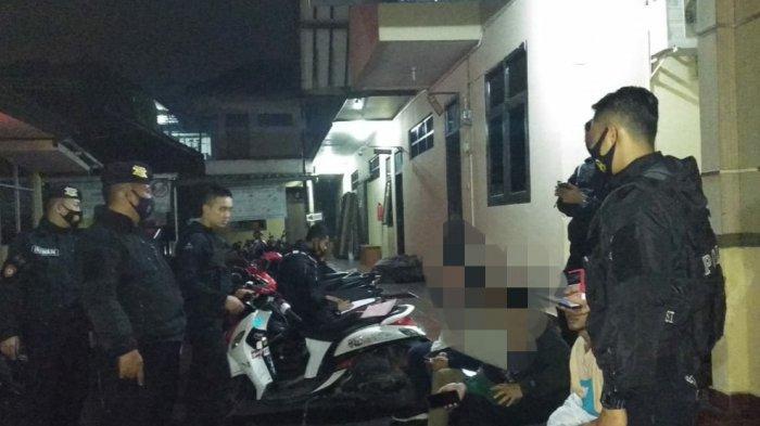 Hendak Membubarkan Kerumunan, Petugas di Tasikmalaya Malah Pergoki Para Remaja Pesta Miras