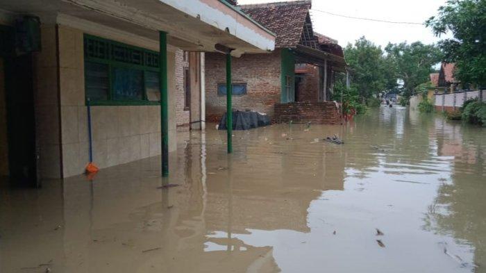 BPBD Kabupaten Cirebon Catat 7 Kecamatan Terendam Banjir, Rumah, Jalan, dan Fasilitas Umum Terendam