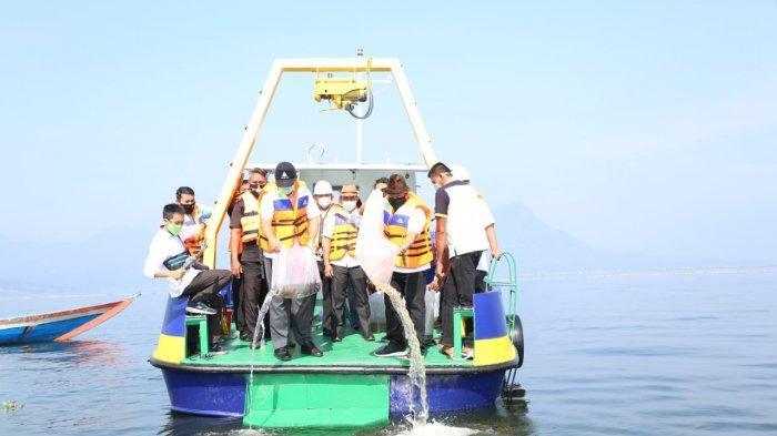Sejuta Benih Ikan Ditebar Jasa Tirta II di Waduk Jatiluhur, Ternyata Ini Tujuannya
