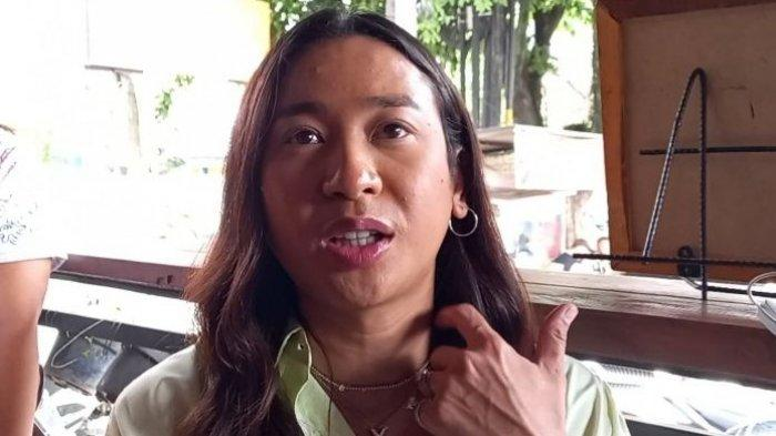 Selebgram Jovi Adhiguna membuka gerai Gildak yang bekerja sama dengan Nikmat Group.