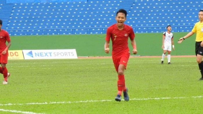 Beckham Putra Nugraha usai mencetak gol.