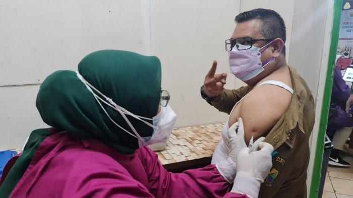 Sempat Ketakutan, 250 Pedagang di Pasar Cipanas Cianjur Akhirnya Disuntik Vaksin Covid-19