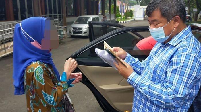 PNS Cegat Mobil Bupati Garut, Curhat Suami Selingkuh dan Ditelantarkan, Ini Respons Rudy Gunawan