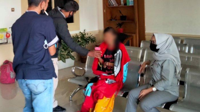 Wanita Muda Ini Sudah Tiga Hari Tidur di Alun-alun Kota Tasikmalaya, Mengaku Tunggu Suami Datang