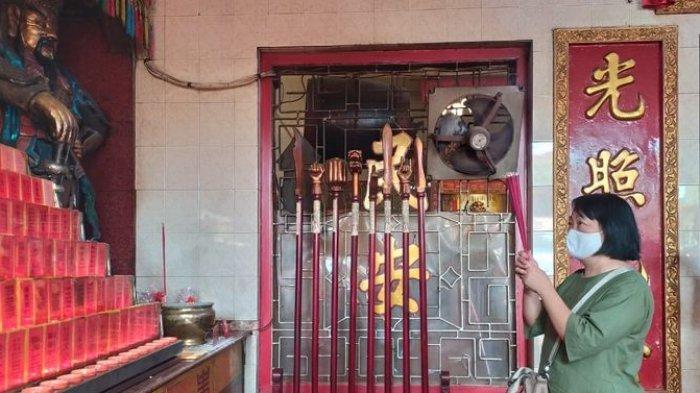 Perayaan Imlek di Vihara Dharma Ramsi Kota Bandung, Tak Banyak yang Datang, Barongsai Ditiadakan