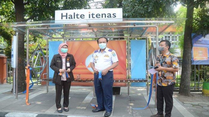 Serahkan Halte ke Dishub, Kontribusi dan Partisipasi Itenas dalam Pembangunan Kota Bandung