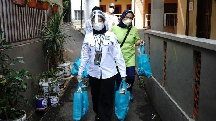Serentak, PKB se-Jawa Barat Bagikan Bantuan untuk Warga yang Isoman Menjelang Harlah ke-23