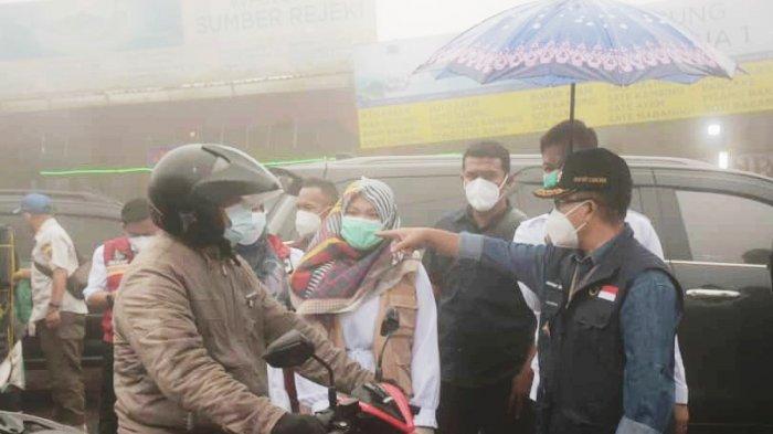 Sering Bocor, Herman Suherman Periksa Surat Rapid Tes Antigen Secara Acak di Perbatasan Cianjur