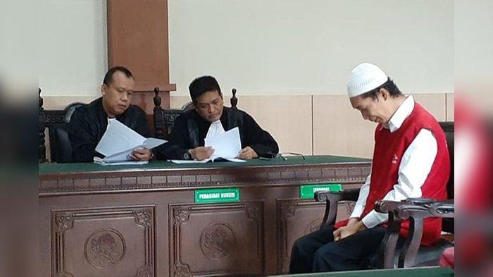 Dituntut Hukuman Mati, Terdakwa Mutilasi PNS Kota Bandung Menangis Saat Bacakan Pledoi