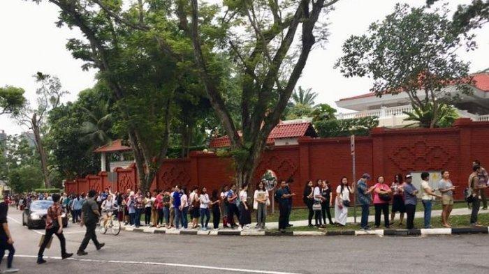 TPS Belum Buka, WNI di Singapura Sudah Antre Siap Mencoblos, SBY Mencoblos Pukul 15.00