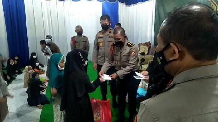 Siswa Lemdikpol Polri Sukabumi Bagikan Ratusan Paket Sembako Ke Ponpes dan Yayasan Yatim Piatu