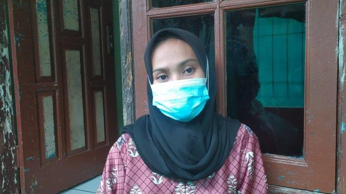 SA (25) istri BS terduga teroris di Sukabumi