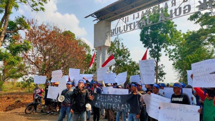 Ratusan Warga Geruduk PT Pabrik Gula Rajawali II Jatitujuh, Sebut Soal Perebutan Lahan