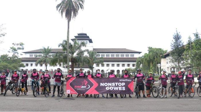 Smartfren Selenggarakan Gowes Berprotokol Kesehatan dengan Top Mitra Outlet Prioritas di Bandung