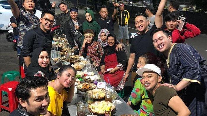 Geng Soimah, Dewi Perssik, dan Irfan Hakim Habis Rp 7,9 Juta Saat Makan Nasi Uduk di Pinggir Jalan