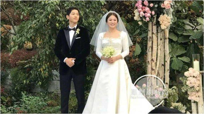 Song Joong Ki dan Song Hye Kyo di Ujung Tanduk Perceraian, tapi Foto Pernikahan Masih Terpajang