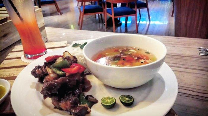 Lezatnya Sop Buntut Bakar Momo Cafe Bandung, Aroma Rempahnya Kuat, Tekstur Dagingnya Lembut