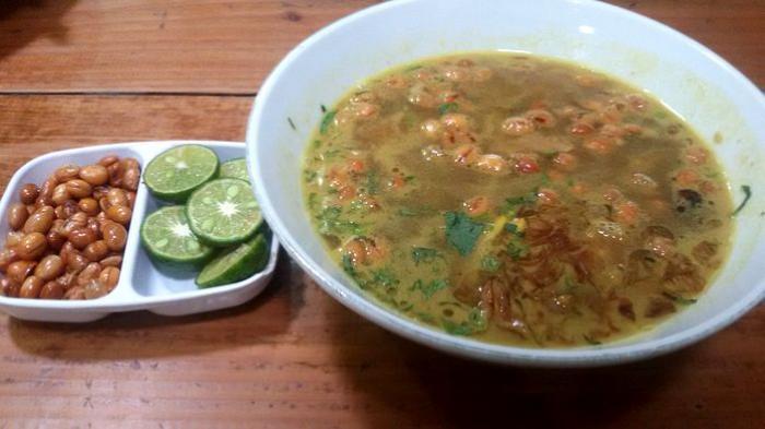 Soto Ahri, kuliner asal Garut di Bandung.