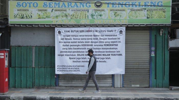 Pedagang Cikapundung Tuangkan Aspirasi Lewat Spanduk, Curhat; Jual TV dan Kulkas untuk Sekolah Anak