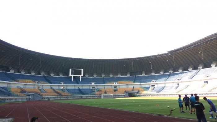 5 Kemegahan Stadion Gelora Bandung Lautan Api Tempat Persib Bandung Latihan