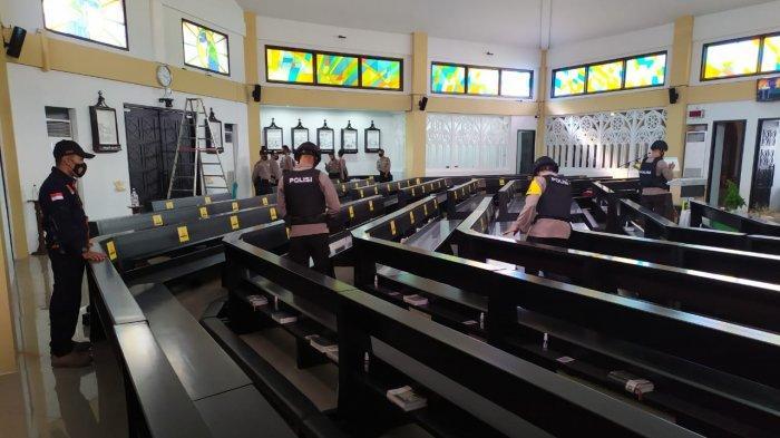 Unit Jibom Brimob Polda Jabar Sisir Gereja di Ciamis dan Pangandaran