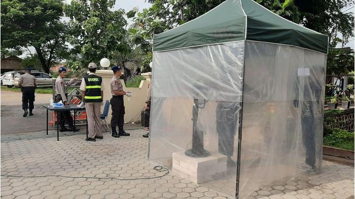 Cegah Penyebaran Wabah Covid-19, Mako Ditpolairud Polda Jabar Dipasang Pintu Sterilisasi