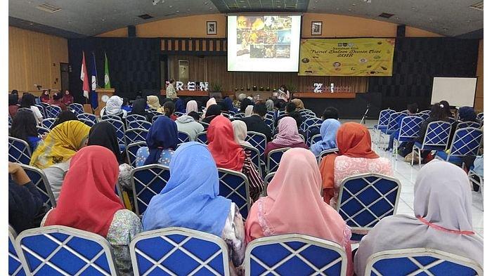 STIK Immanuel Bandung Gelar Seminar Trend Dalam Dunia Gizi 2018
