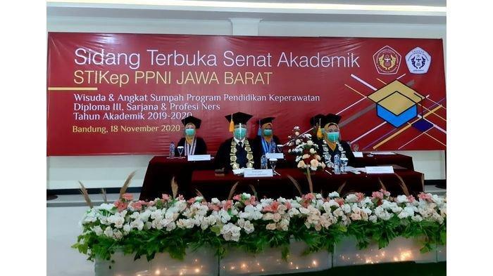 Tegakkan Protokol Kesehatan, Wisuda dan Angkat Sumpah PerawatSTIKep PPNI Jawa Barat Digelar Hybrid