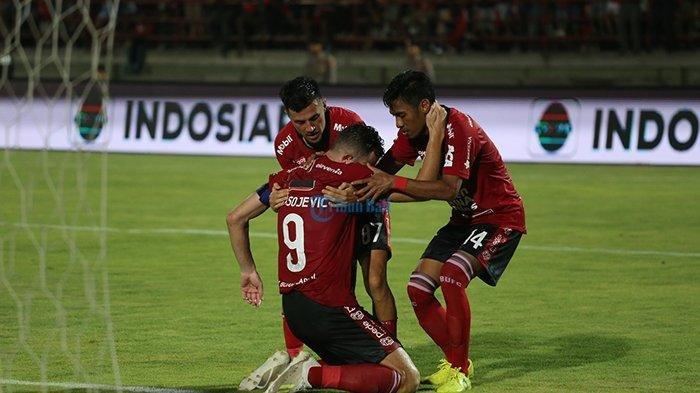 Bobol Gawang Persib Bandung, Stiker Bali United Ilija Spasojevic Tertunduk Menangis di Lapangan