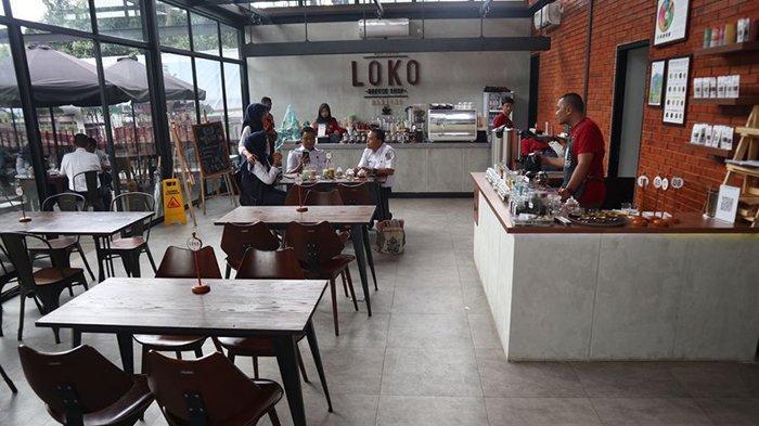 Loko Coffee Shop, Tempat Nongkrong Kekinian di Stasiun Bandung