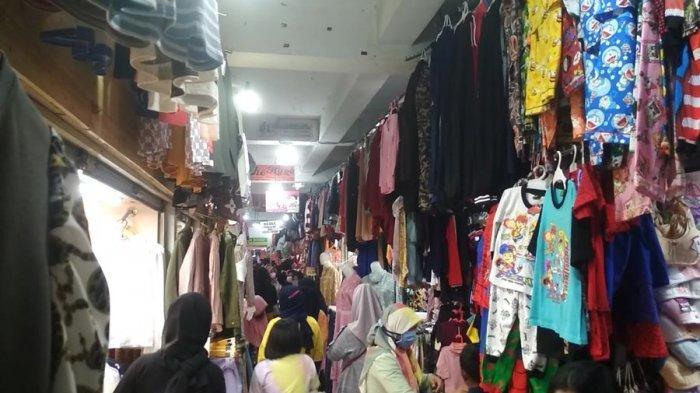 Curhatan Pedagang Pasar Panorama Lembang: Lebaran Lalu Jual 300 Pakaian per Hari, Kini 80 Saja Susah