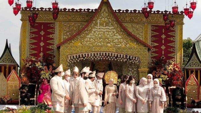 suasana Hajatan Sukses's Leslar di Hotel Intercontinental Bandung bersama bridesmaid dan groomsman