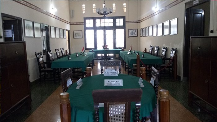 Suasana ruang utama Gedung Perundingan Linggarjati, Kecamatan Cilimus, Kabupaten Kuningan, Jumat (10/8/2018).