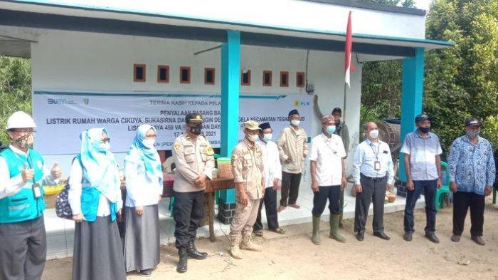 Setelah Menunggu 35 Tahun, Warga di Tiga Kampung di Kabupaten Sukabumi Akhirnya Rasakan Listrik PLN