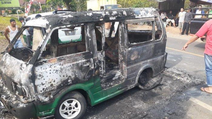 Usai Diperbaiki di Bengkel, Sebuah Angkot Terbakar di Sukabumi, Warga dan Pengendara Panik