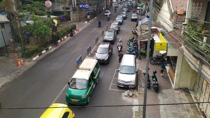Jelang Penerapan Satu Arah di Jalan Sukajadi, Dishub Kota Bandung dan Polisi Tertibkan Parkir Liar