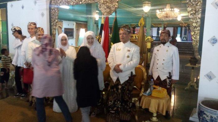 Ratusan Orang Hadiri Open House Sultan Keraton Kasepuhan Cirebon