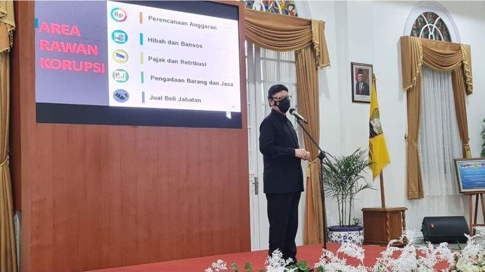 Menteri Tjahjo Kumolo mengapresiasi atas hadirnya Command Center sebagai solusi dalam peningkatan pelayanan kepada masyarakat yang menuntut segalanya dilaksanakan serba cepat.