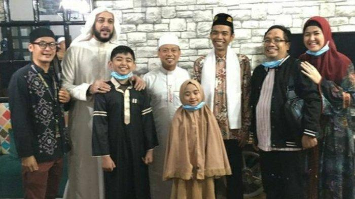 Syekh Ali Jaber Sempat Makan Bareng dengan Ustaz Abdul Somad, Ini Foto-foto Kebersamaan Mereka Saat