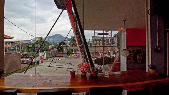 T-rex Mountain View yang berlokasi di Jalan Kolonel Ahmad Syam No 226, Kabupaten Sumedang.