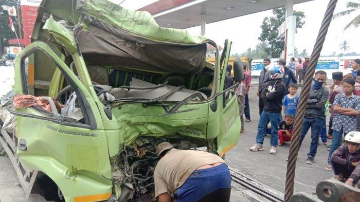 BARU SAJA TERJADI, Tabrakan Beruntun di Jalur Maut Gekbrong Cianjur, Satu Orang Dikabarkan Tewas