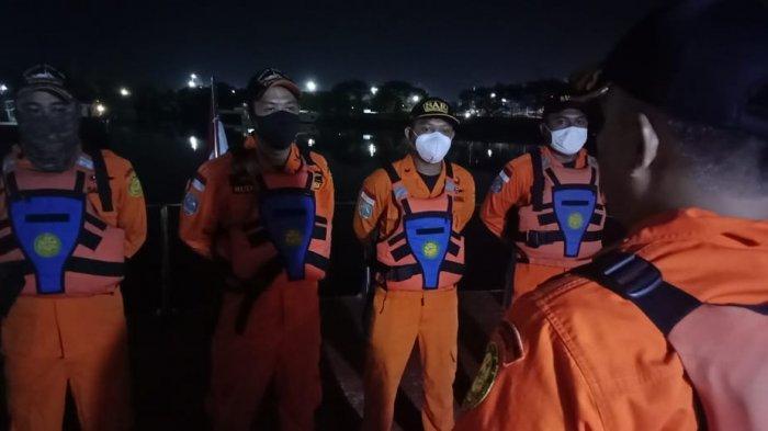 Tabrakan Kapal di Perairan Indramayu 17 ABK Masih Hilang, Tim SAR Lakukan Penyelaman