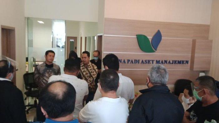 Tagih Duit Investasi, Puluhan Nasabah Geruduk Kantor Minna Padi Aset Manajemen Bandung