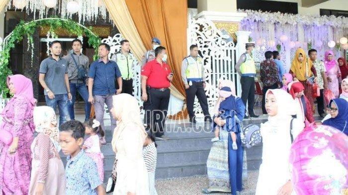 Tamu-tamu Undangan Pesta Pernikahan Ini Langsung Bubar saat Petugas Datang