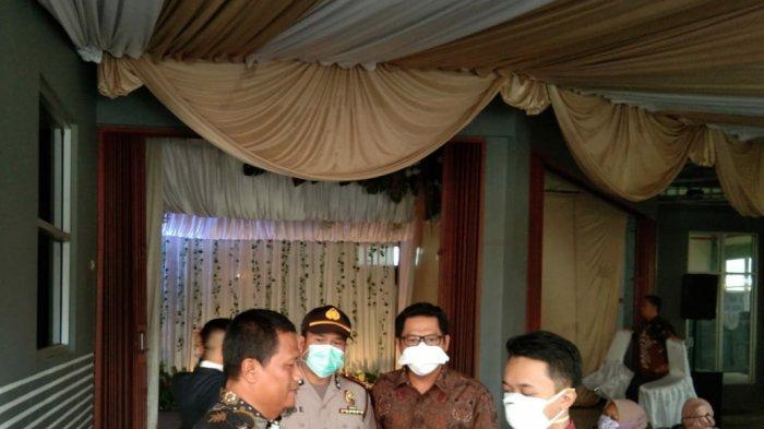 Tamu Undangan Resepsi Pernikahan di Rajapolah Diukur Suhu Tubuh dan Diminta Cuci Tangan
